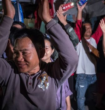 Thai Junta Leader Sees His Popularity Rise Among the Common People by Declaring Monday an Official Holiday